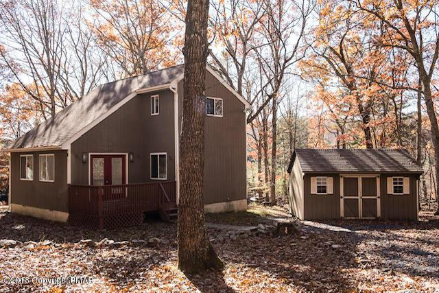 135 Tumble Ct, East Stroudsburg, PA 18302 (MLS #PM-62918) :: RE/MAX of the Poconos