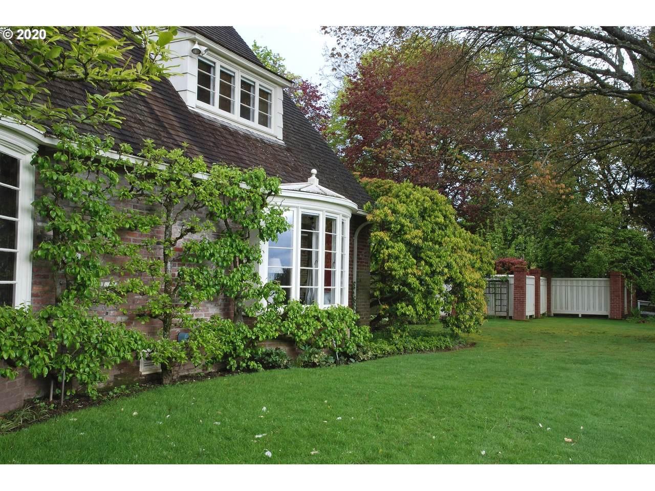 1730 Englewood Ct - Photo 1