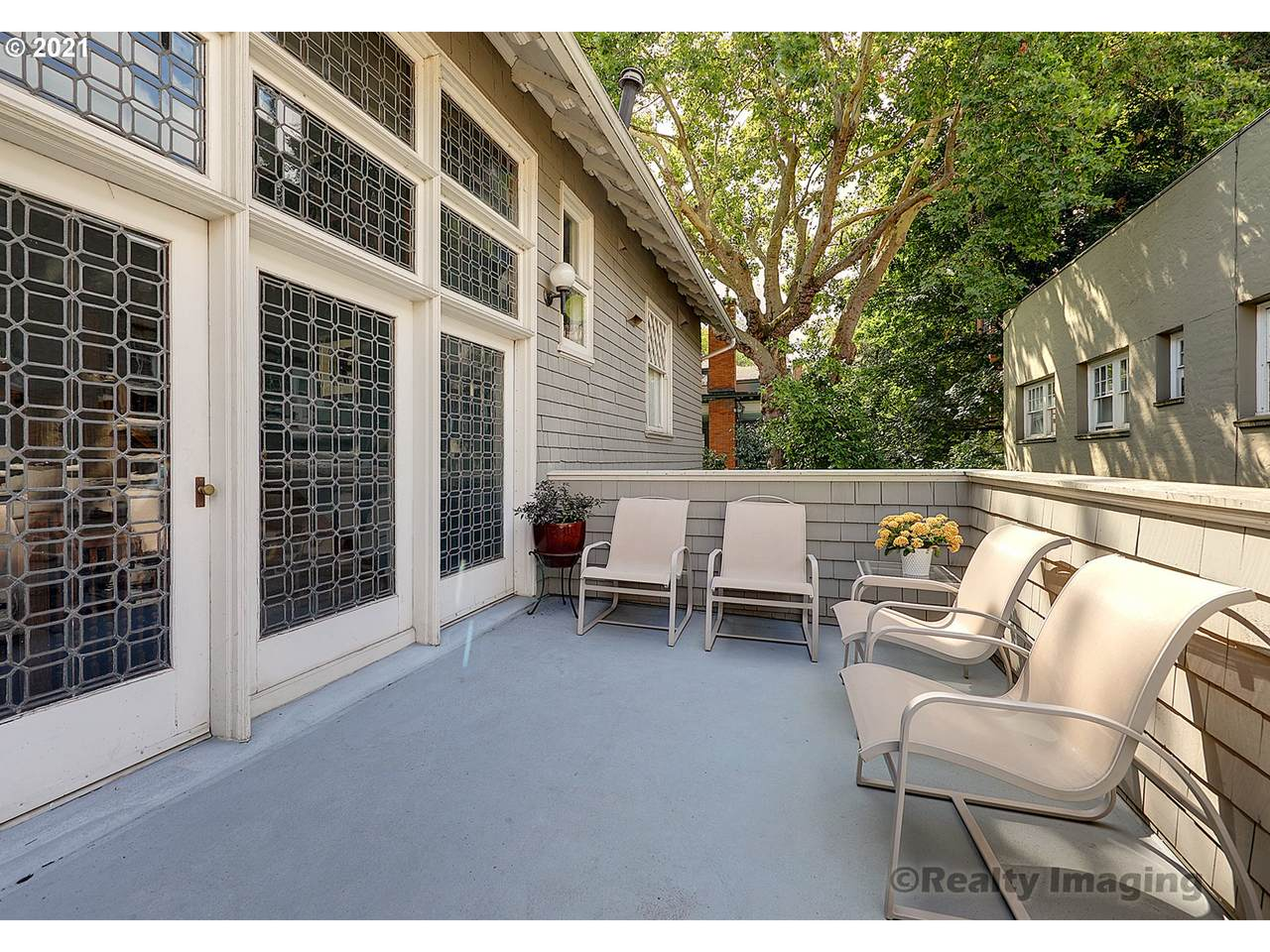 333 20TH Ave - Photo 1