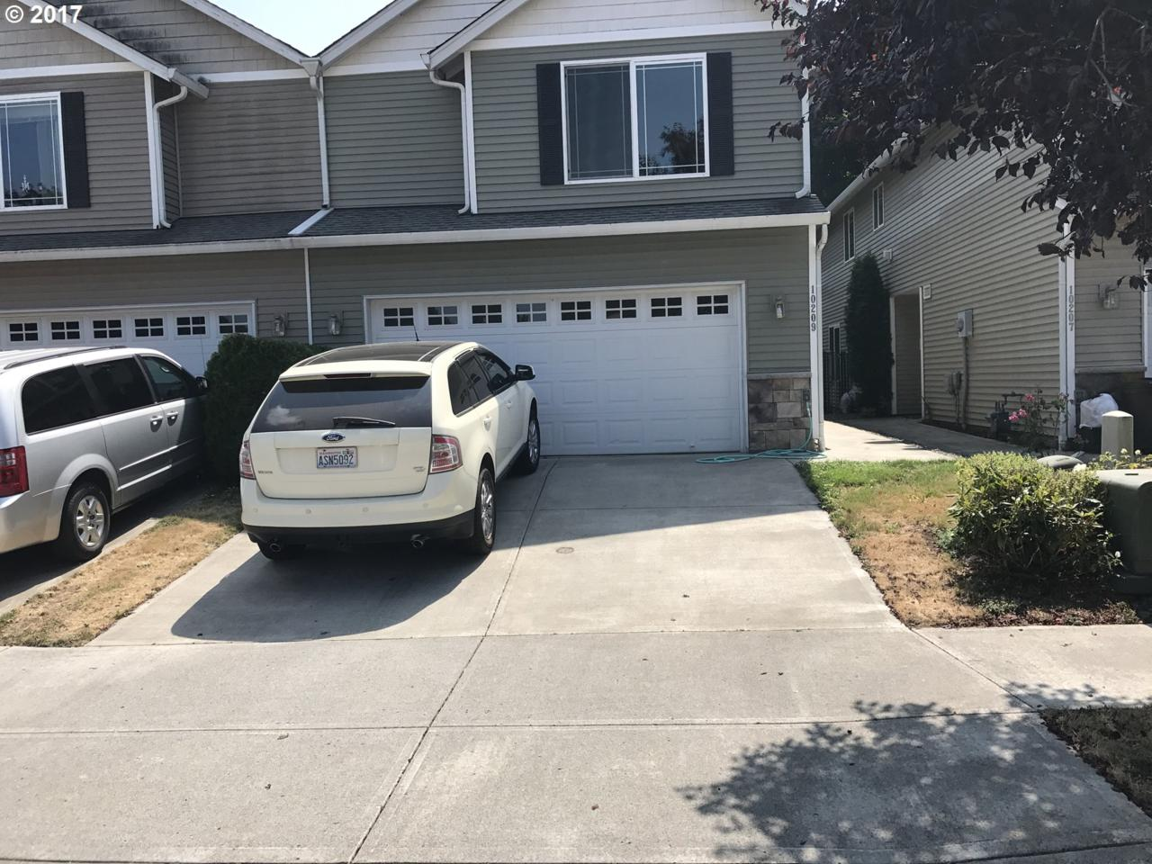 10209 NE 58TH St, Vancouver, WA 98662 (MLS #17066961) :: The Dale Chumbley Group