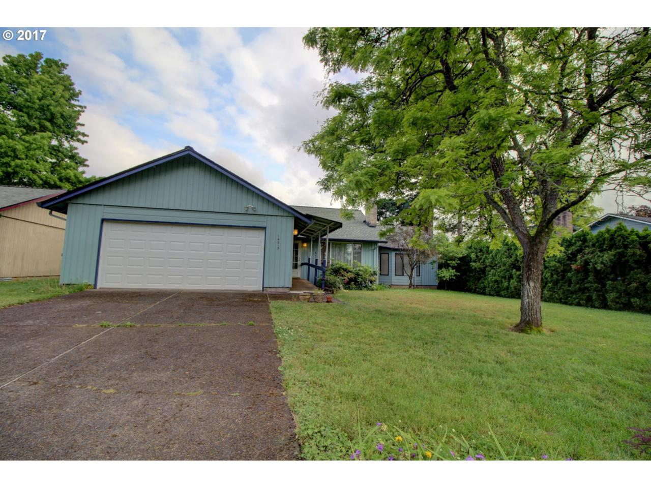 14015 SE 12TH St, Vancouver, WA 98683 (MLS #17257574) :: The Dale Chumbley Group