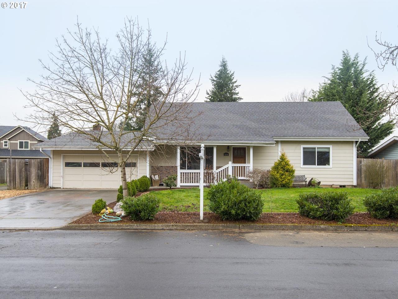 9316 NE 73RD St, Vancouver, WA 98662 (MLS #17275312) :: Portland Real Estate Group