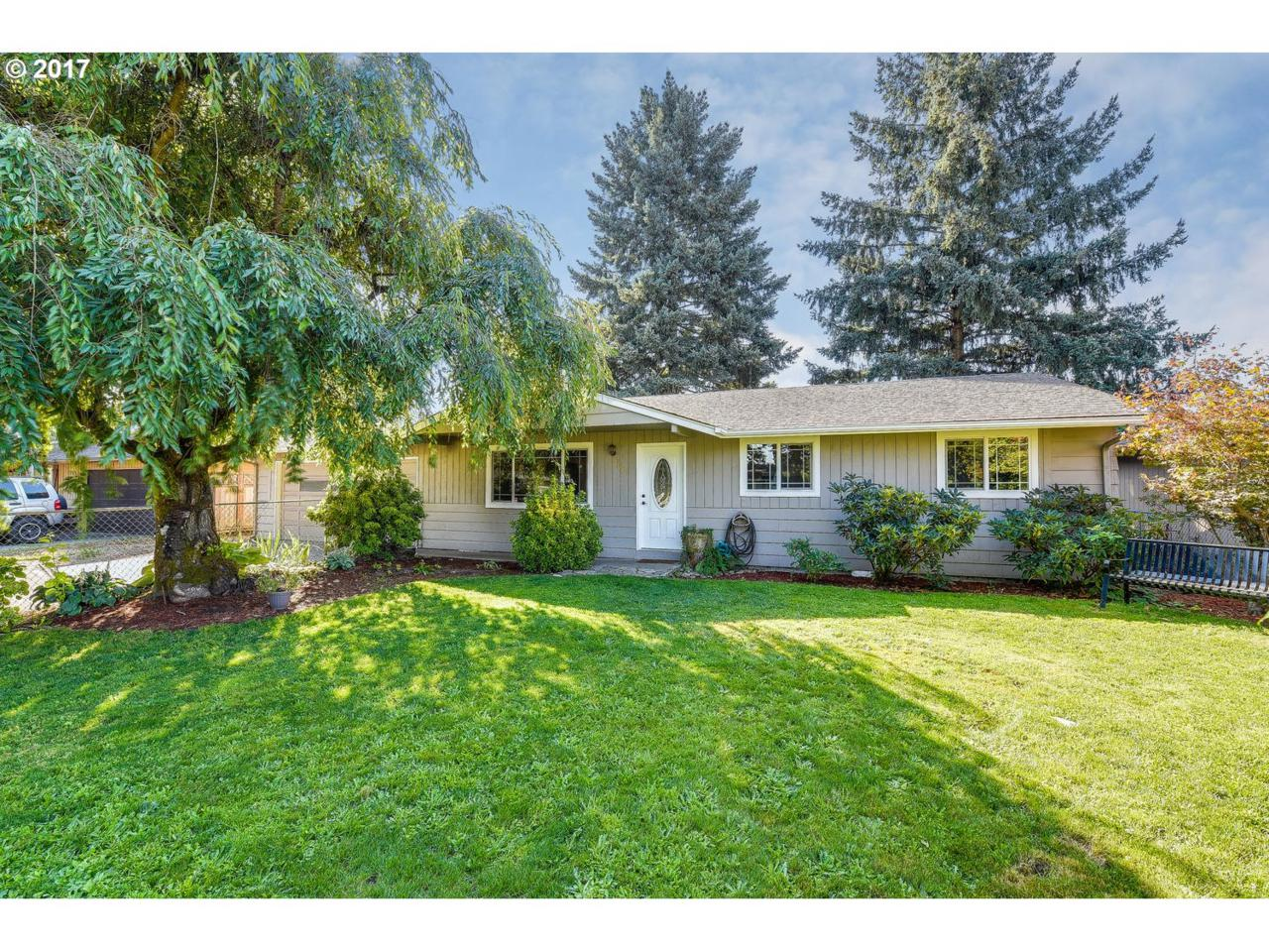 11911 NE 79TH St, Vancouver, WA 98682 (MLS #17369038) :: The Dale Chumbley Group