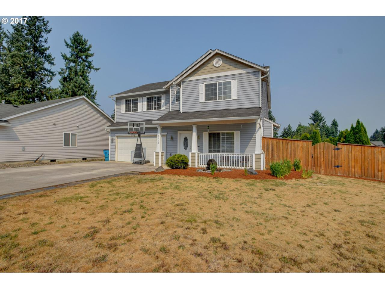 7701 NE 86TH Ave, Vancouver, WA 98662 (MLS #17415325) :: The Dale Chumbley Group