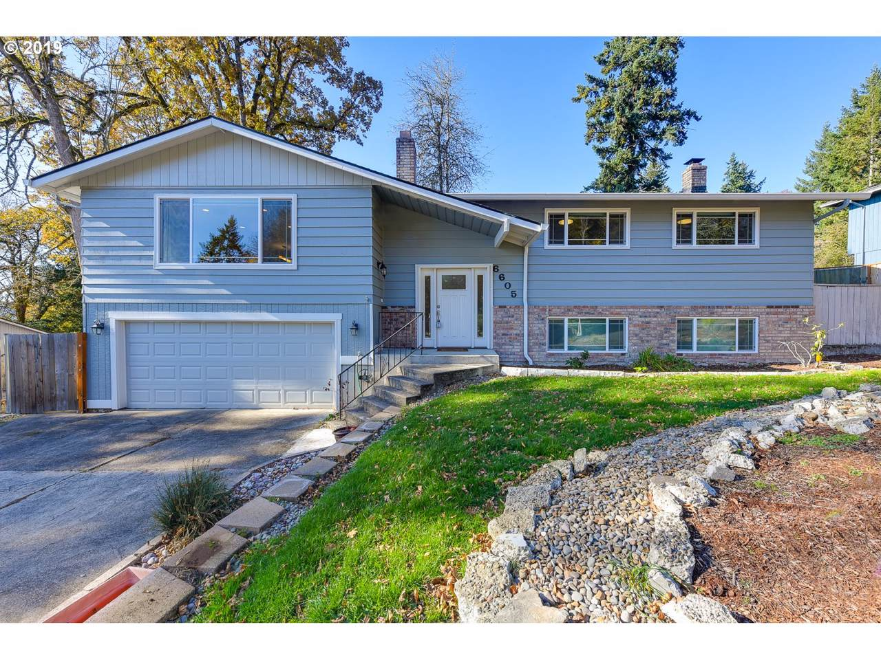 6605 Parkway Dr - Photo 1