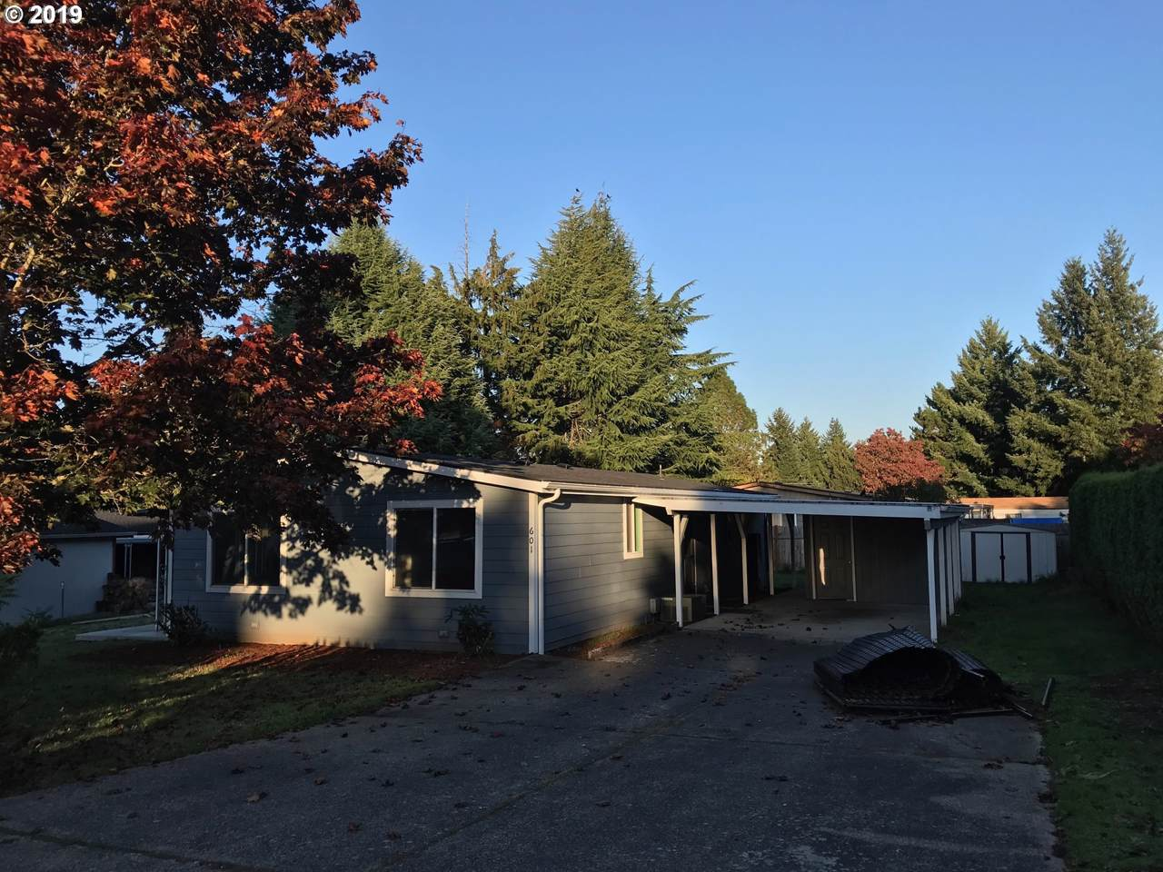 601 102ND Ave - Photo 1