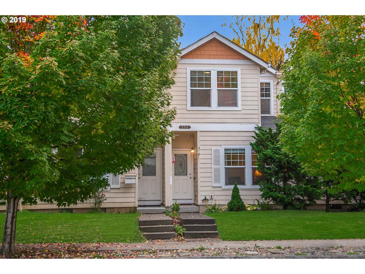 252 Connell Ave - Photo 1