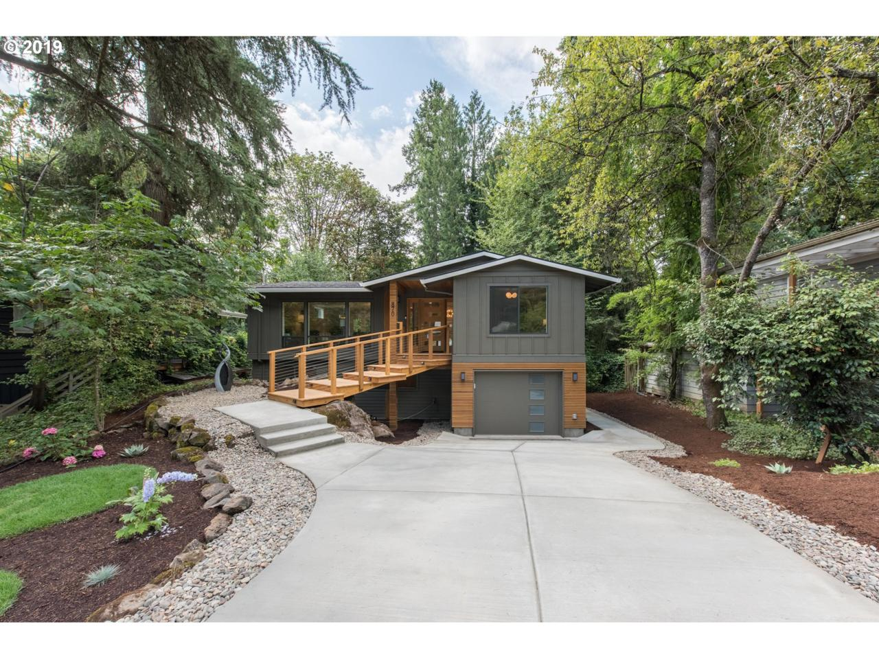870 Lake Forest Dr - Photo 1