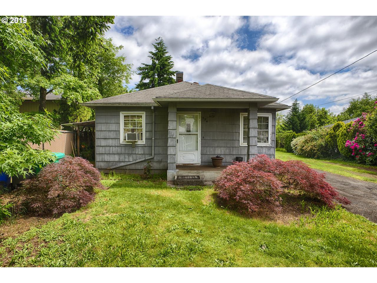 734 120TH Ave - Photo 1