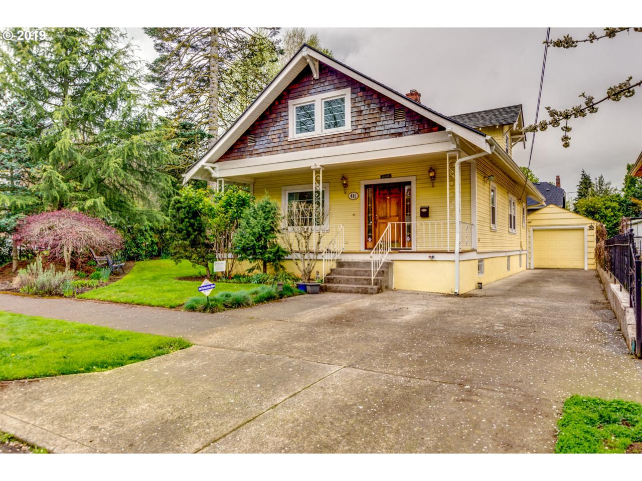 411 85TH Ave - Photo 1