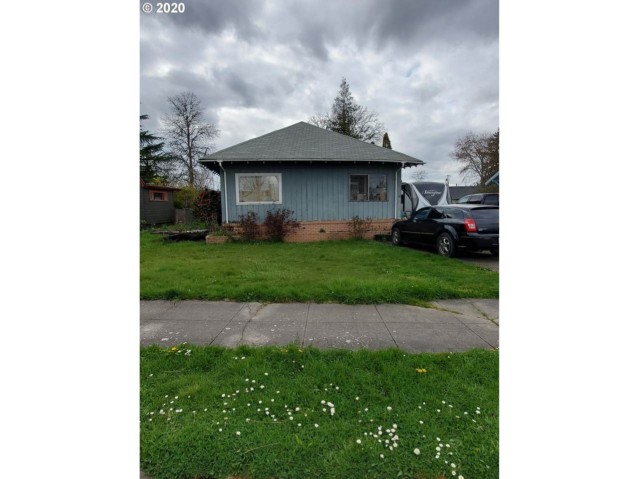 432 Molalla Ave - Photo 1