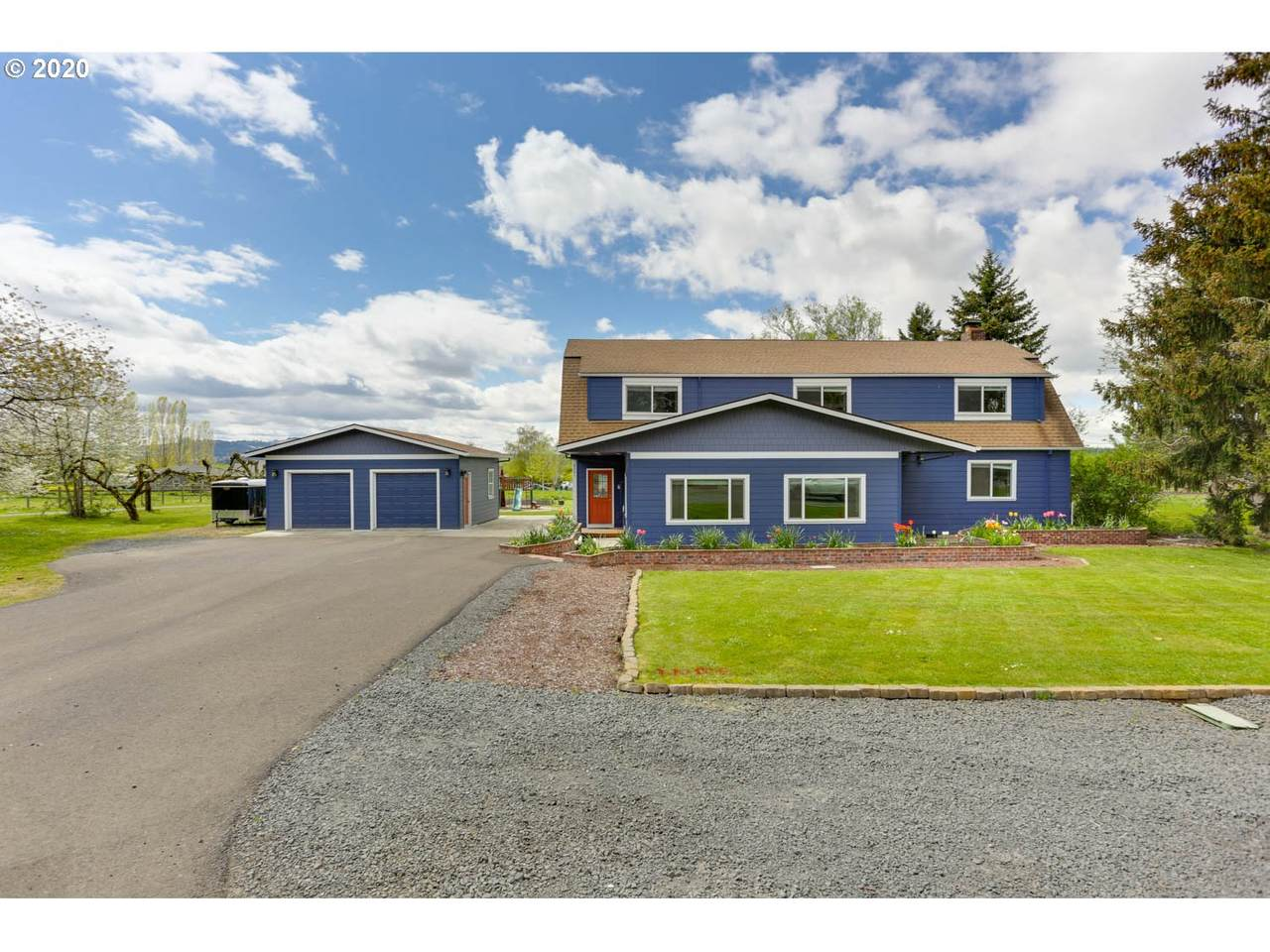 2201 Chehalem Dr - Photo 1