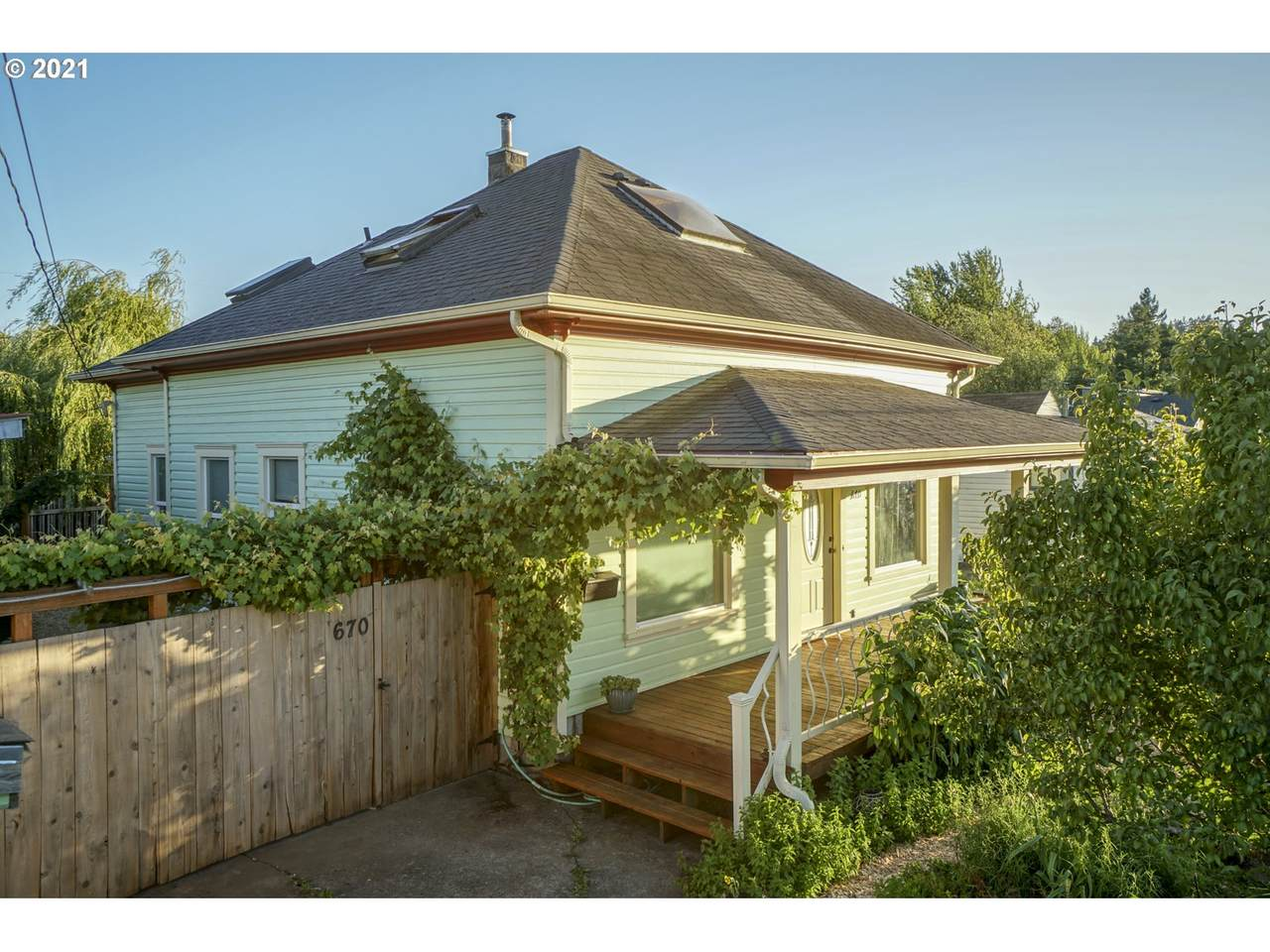 670 32ND Ave - Photo 1