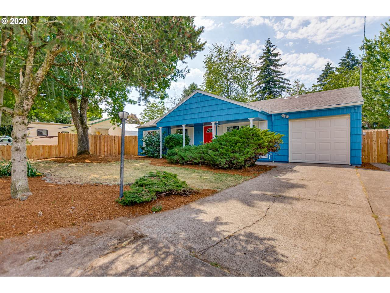 401 186TH Ave - Photo 1