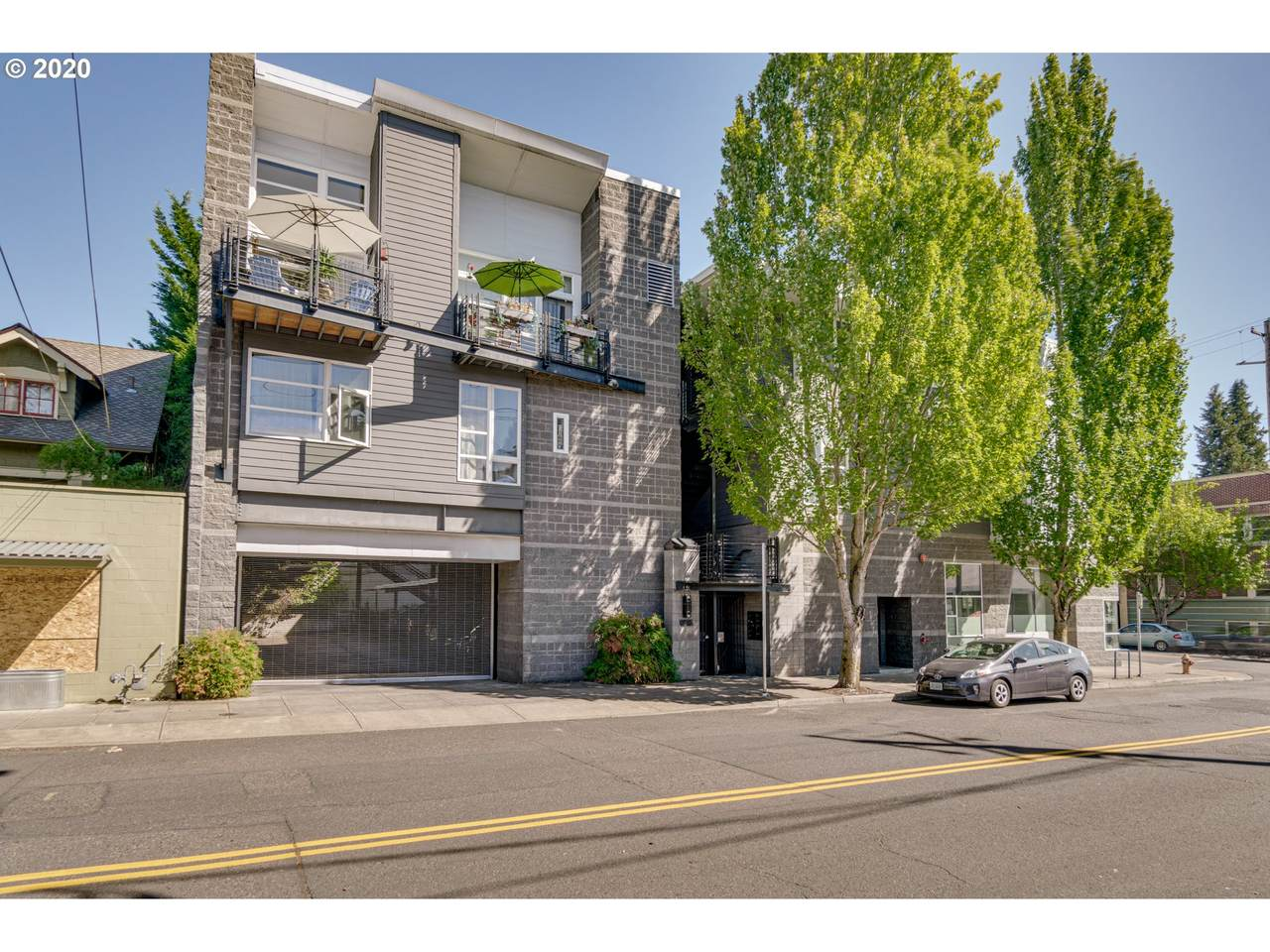1910 40TH Ave - Photo 1