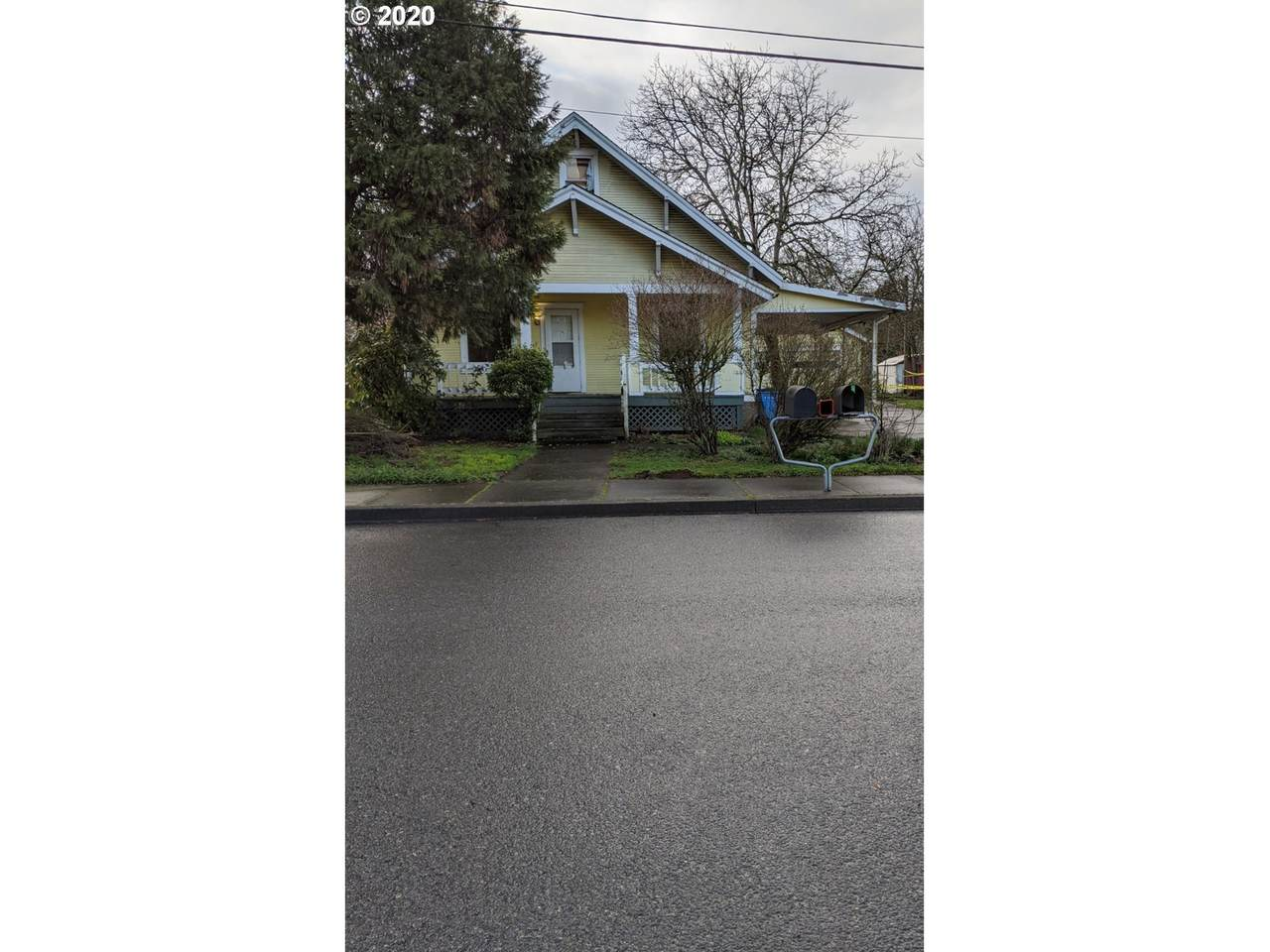 6000 109TH Ave - Photo 1