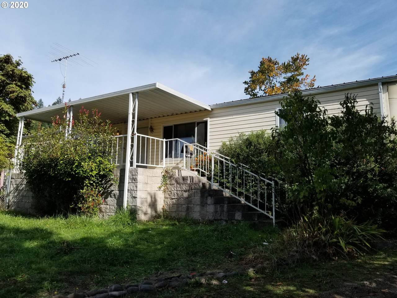 264 Old County Ln - Photo 1