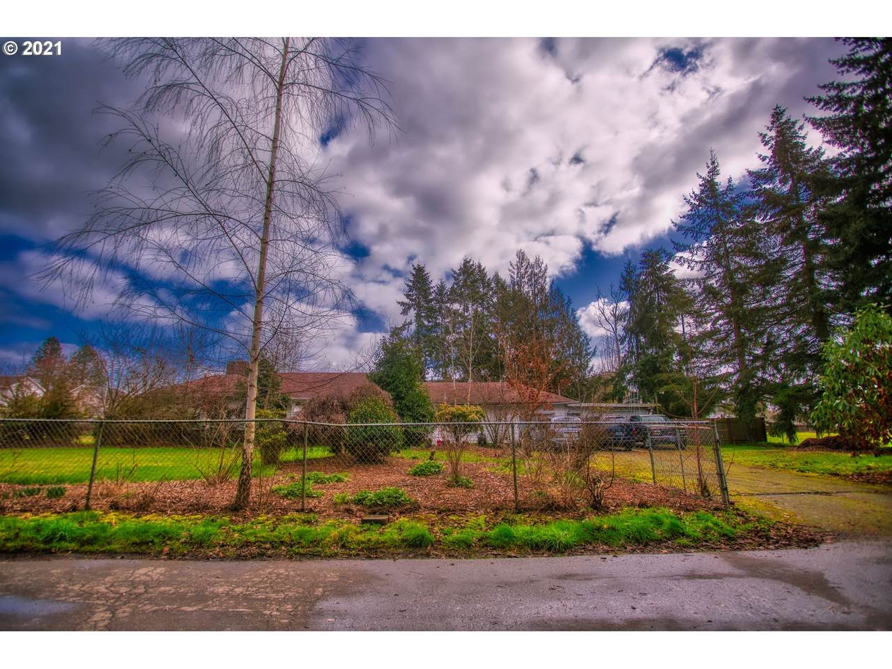 110 16TH Ave - Photo 1