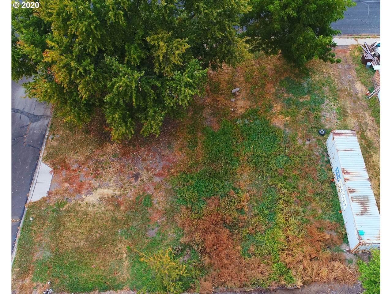 2160 Wabash Ave - Photo 1
