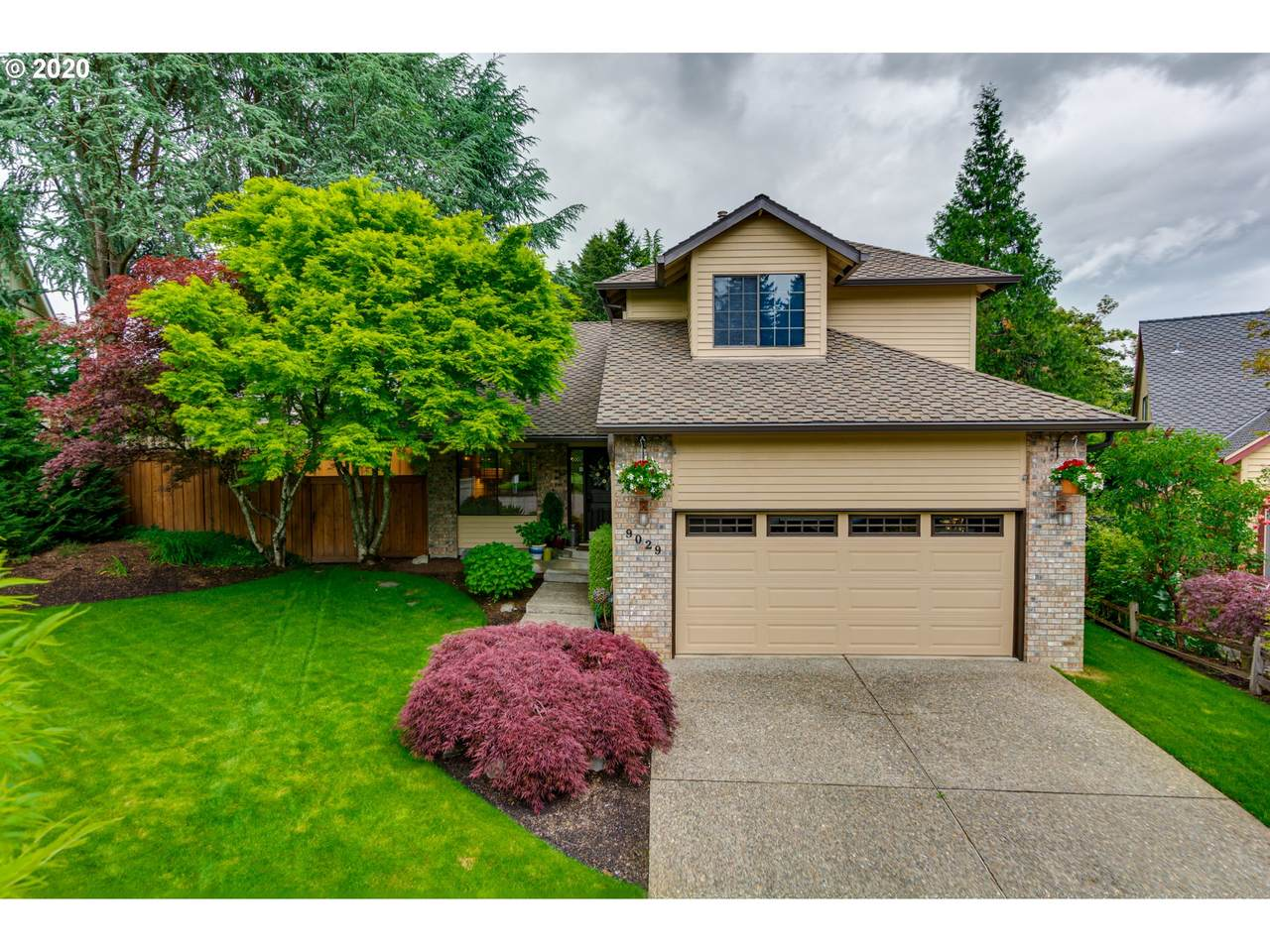 9029 Siletz Dr - Photo 1