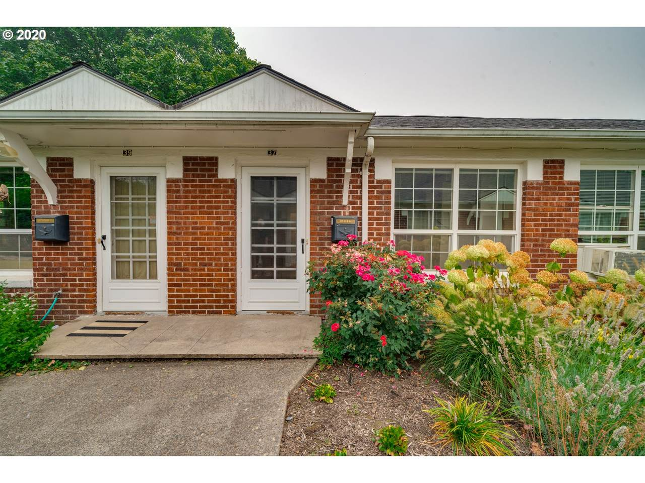 2633 Raleigh St - Photo 1