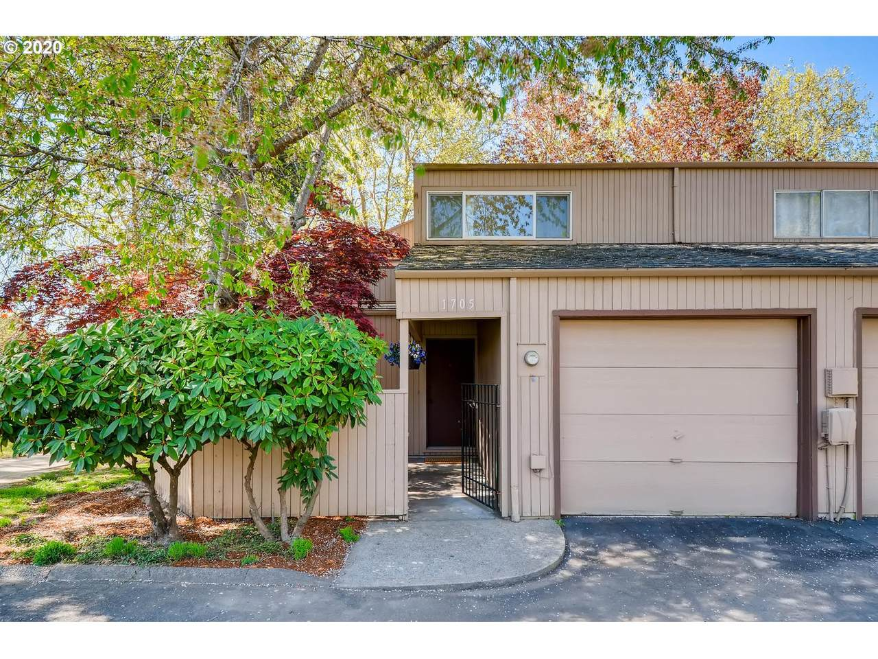 1705 Rolling Hill Dr - Photo 1