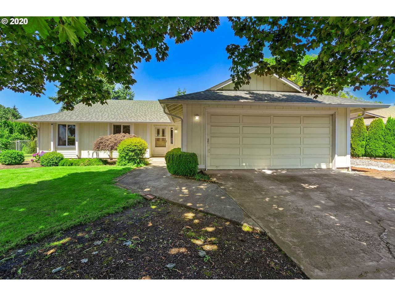 1610 Olympia Dr - Photo 1