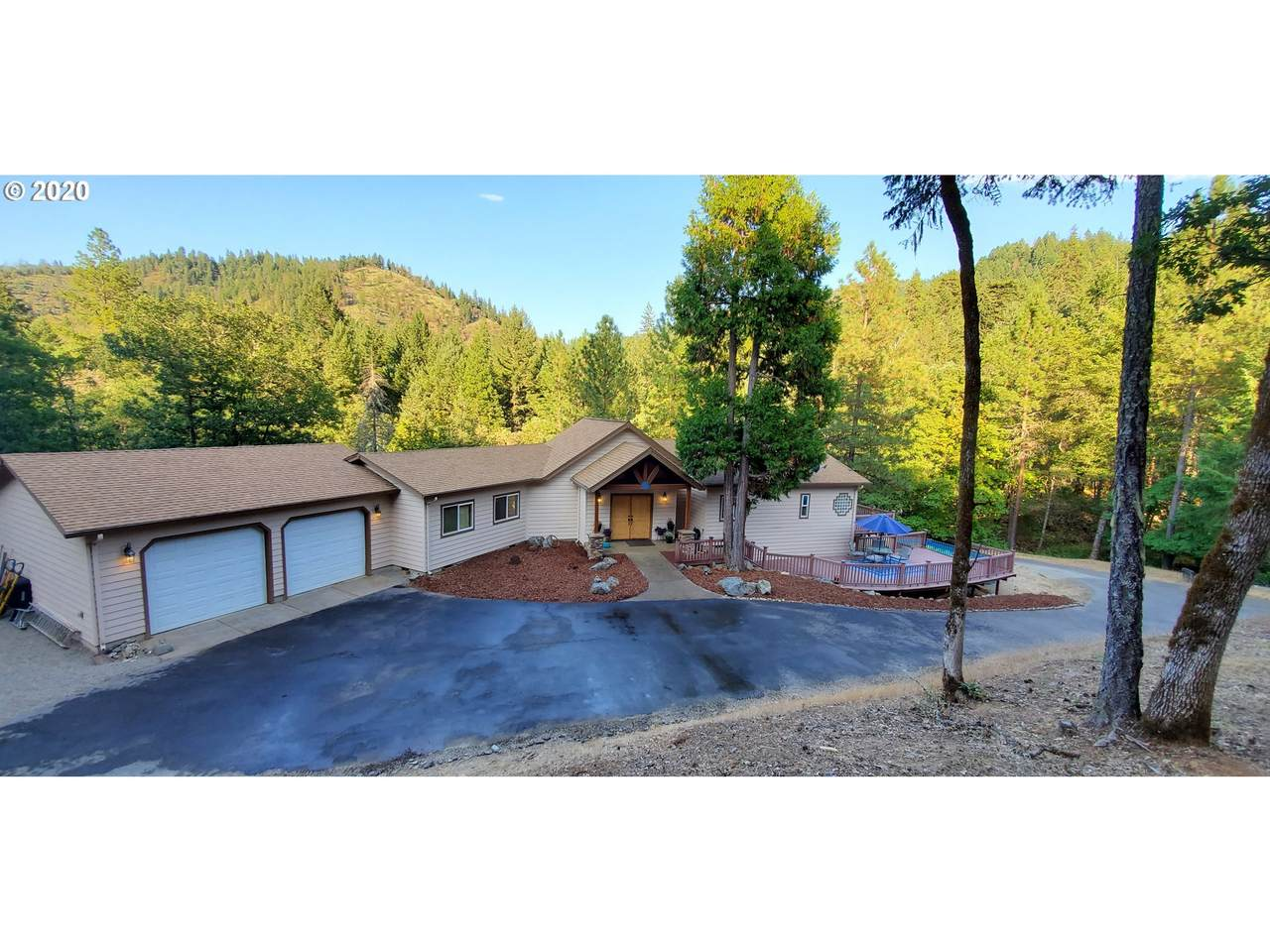 4984 Foots Creek R Fork Rd - Photo 1