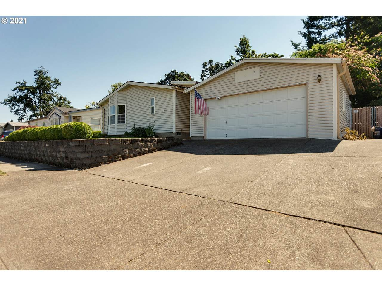 19326 Spring Valley Dr - Photo 1