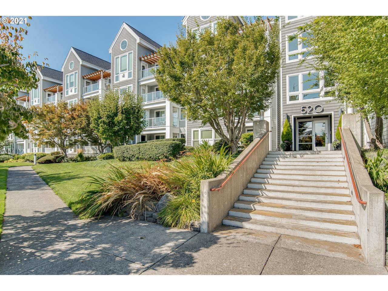 520 Columbia River Dr - Photo 1