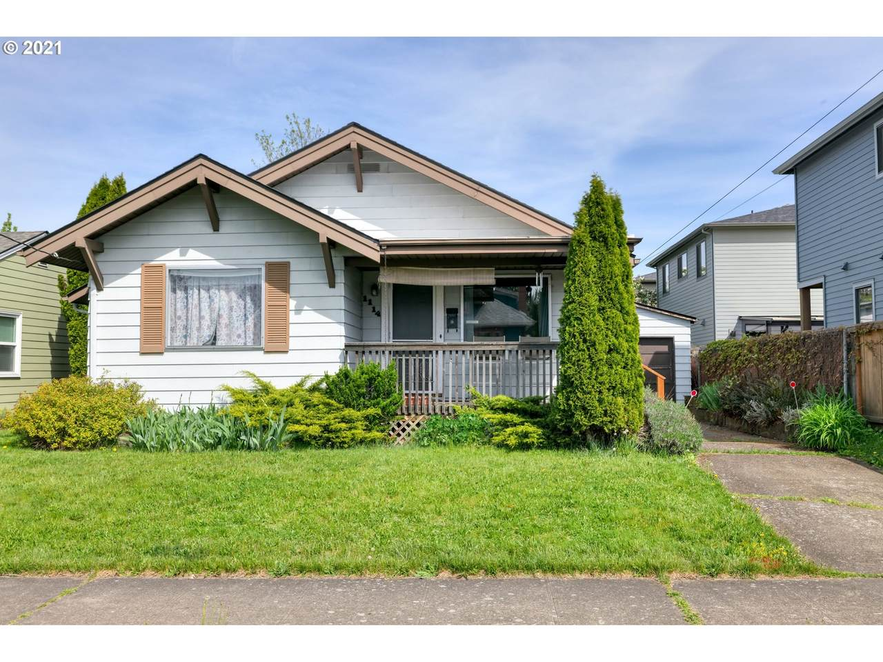 1114 70TH Ave - Photo 1