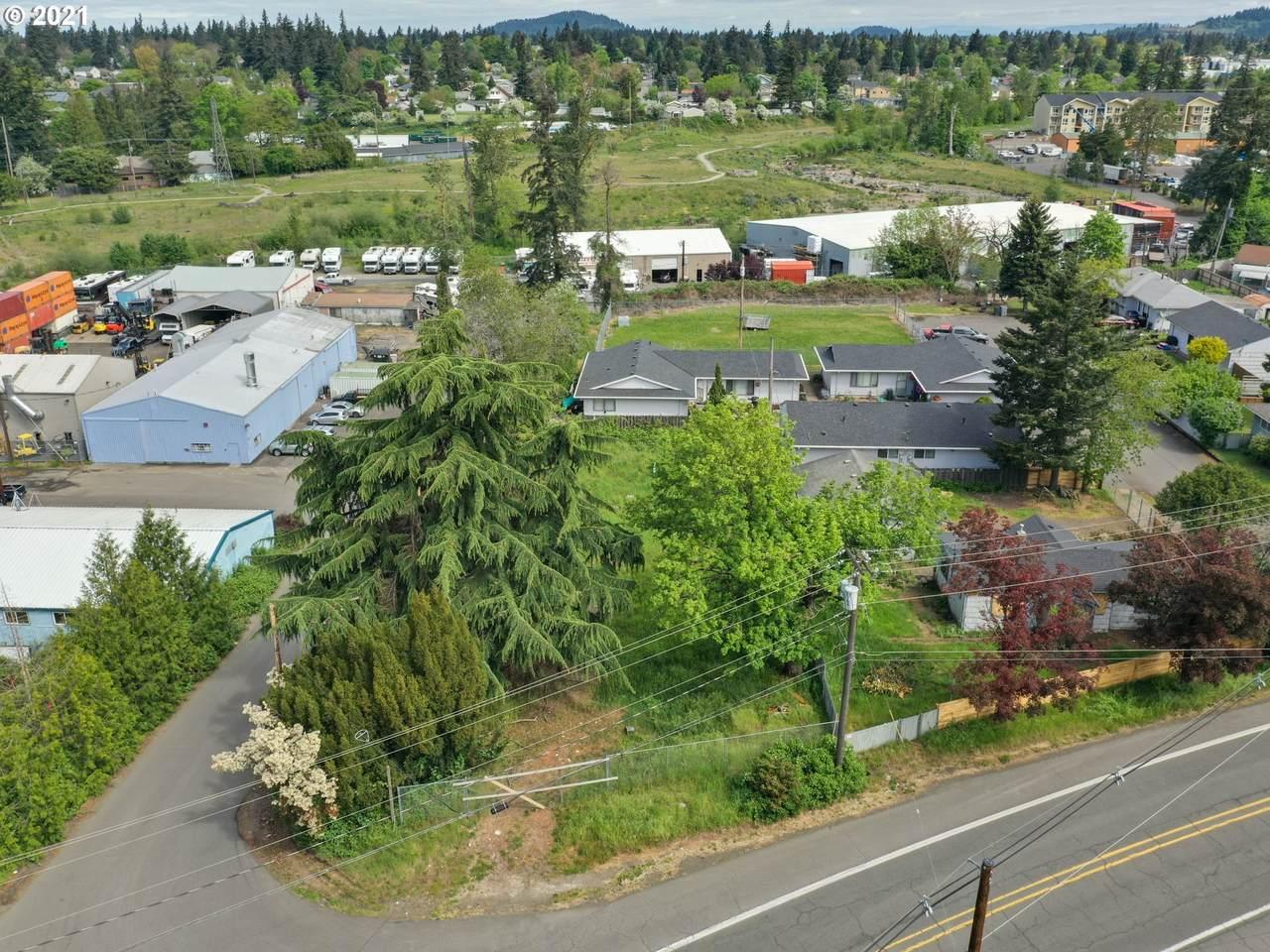 7605 Johnson Creek Blvd - Photo 1