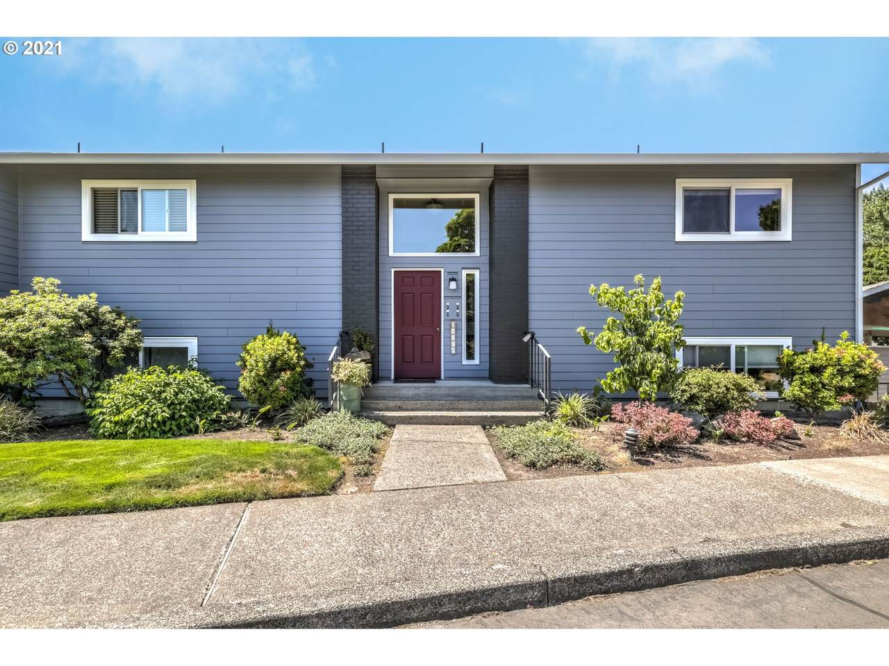 10895 Meadowbrook Dr - Photo 1