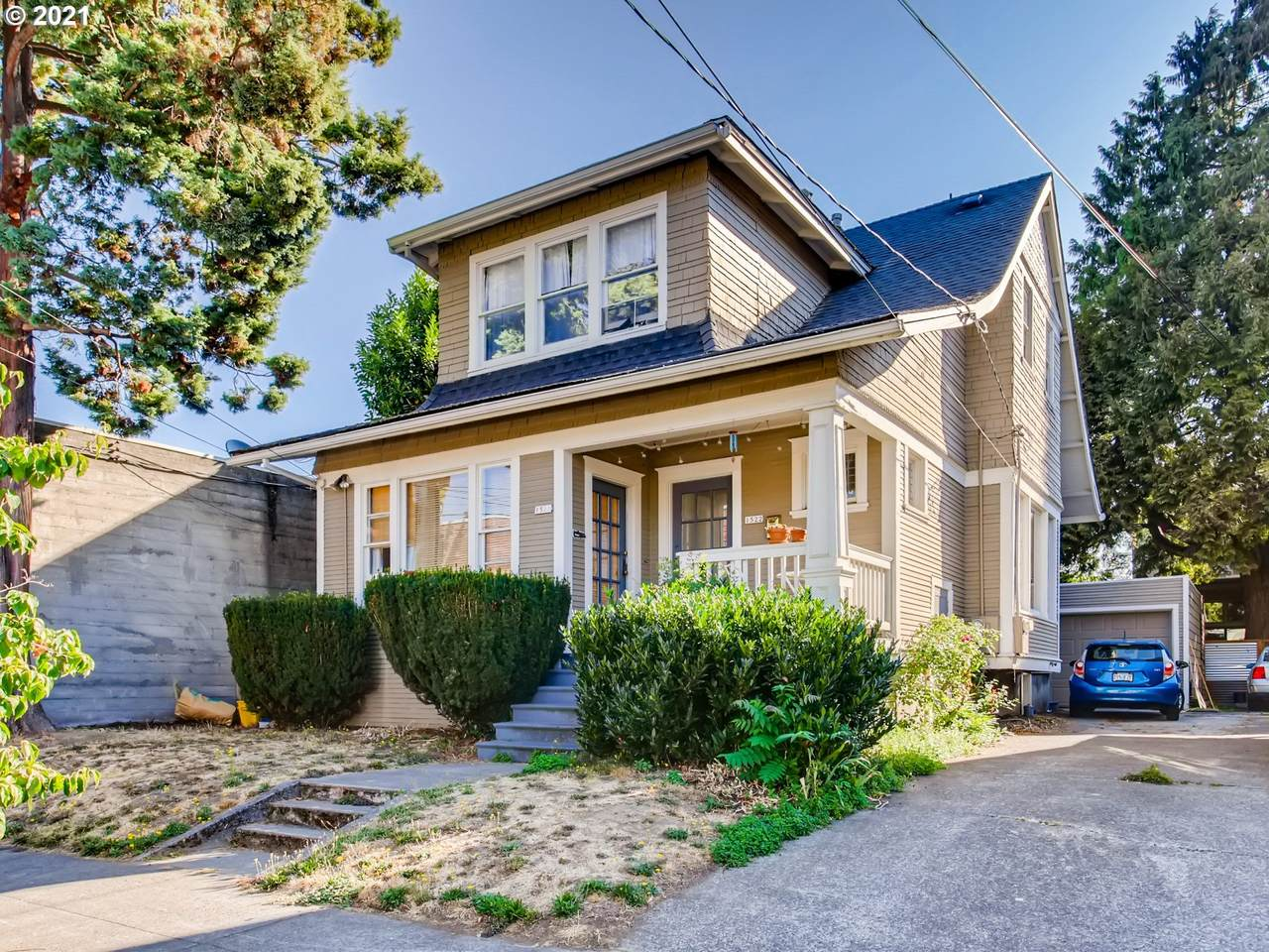1520 35TH Ave - Photo 1