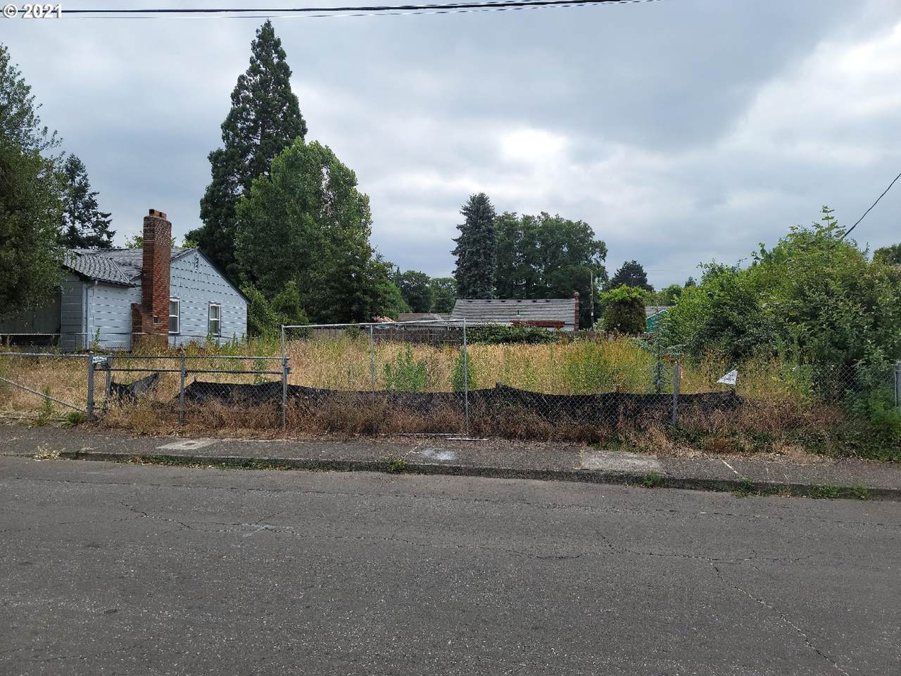 4620 83RD Ave - Photo 1