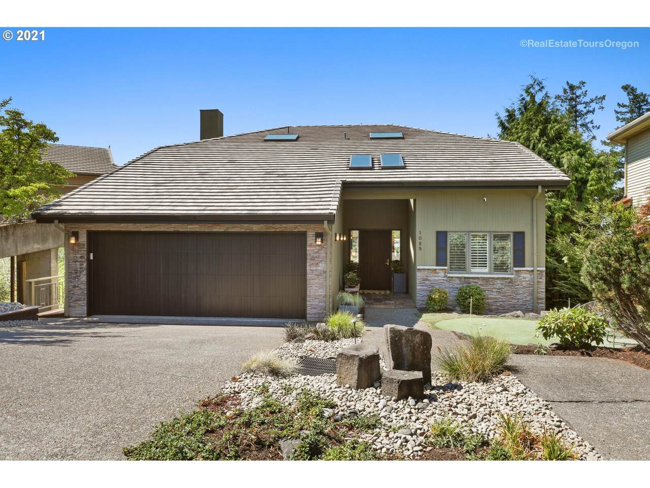 1089 Summit View Dr - Photo 1