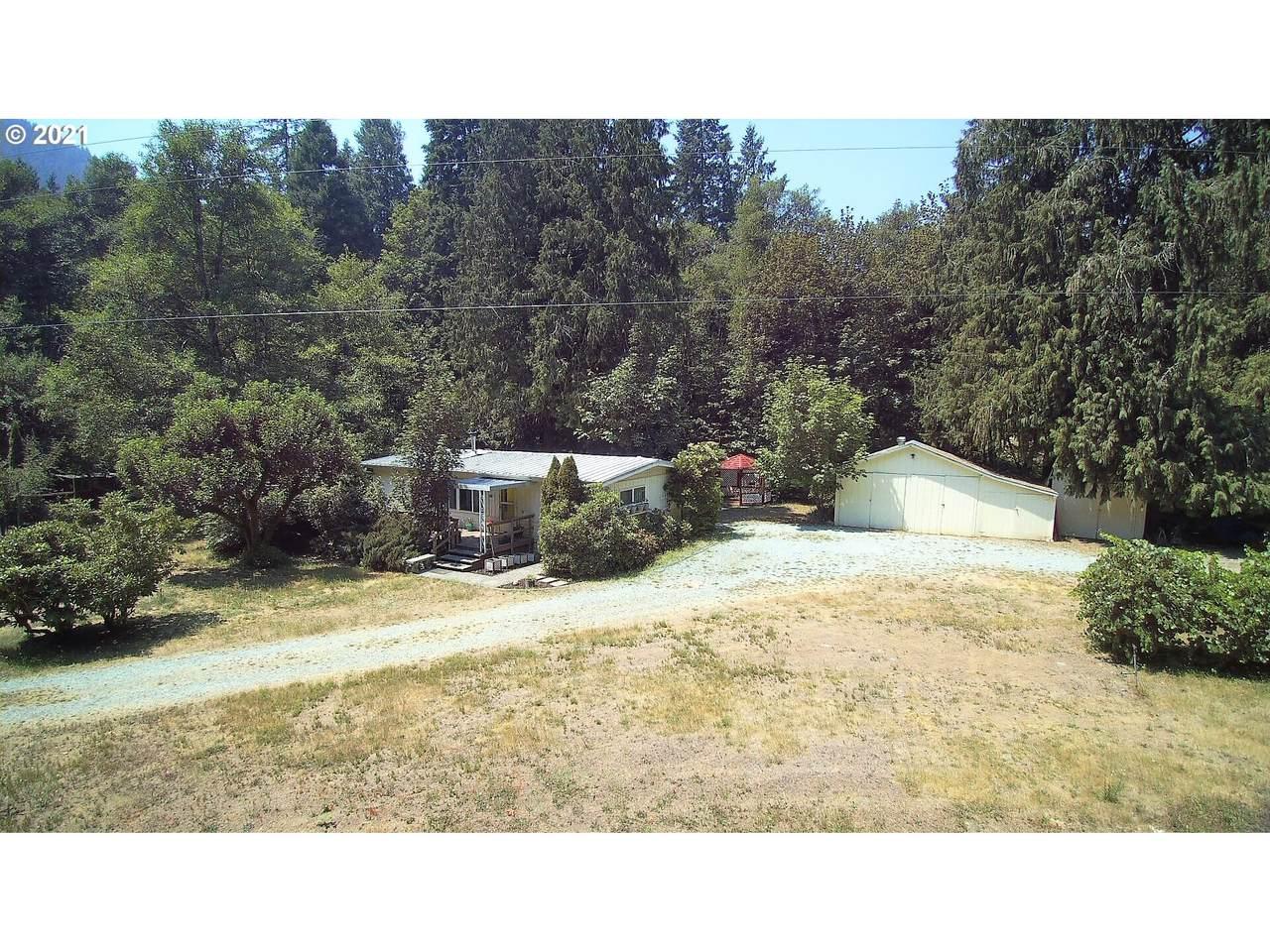796 Lees Creek Rd - Photo 1