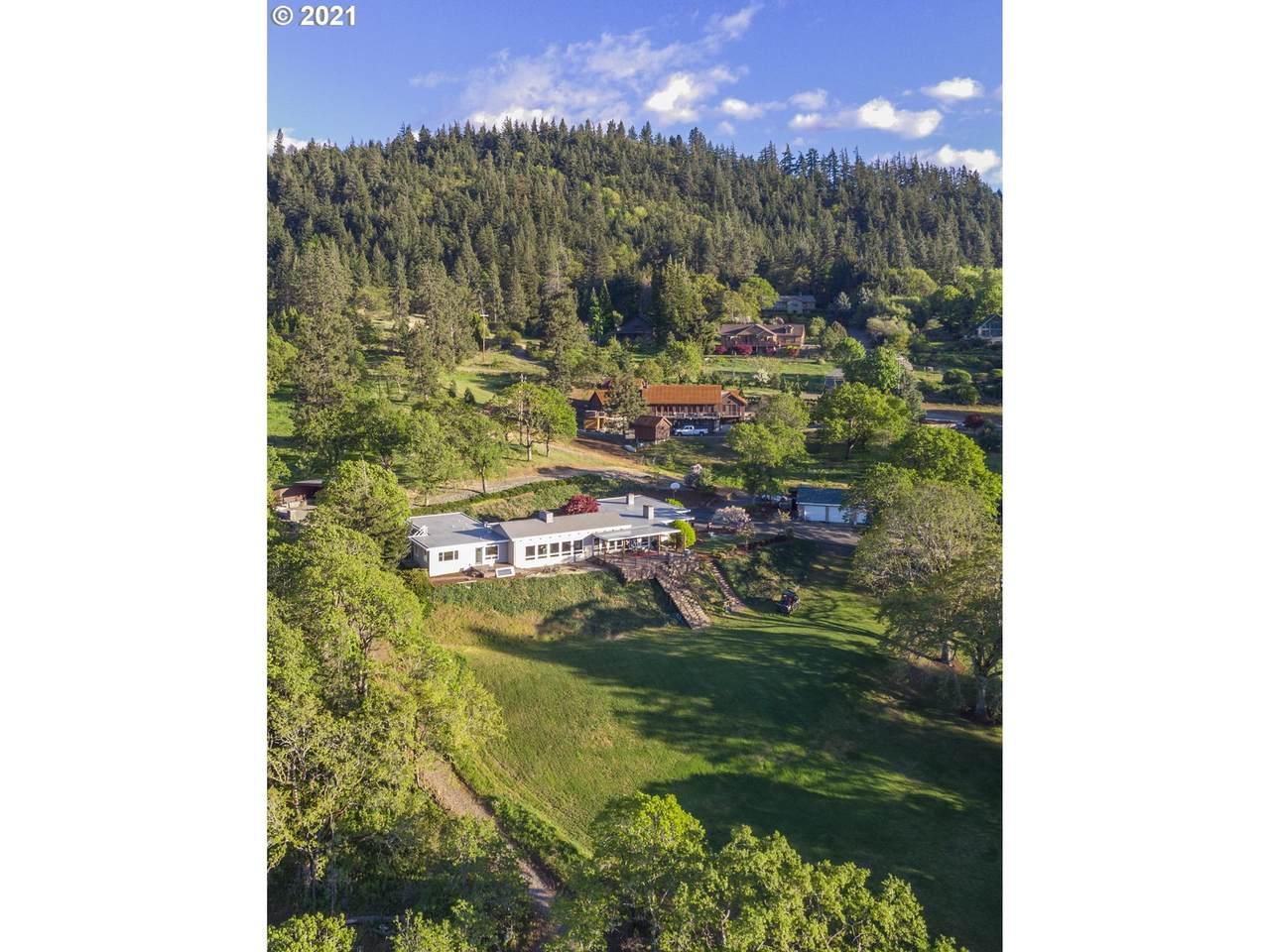 515 Highline Dr - Photo 1
