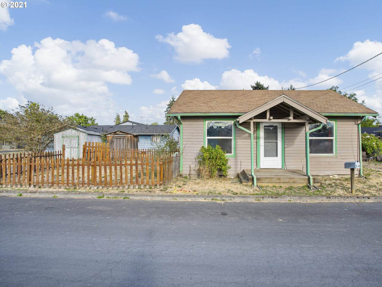 340 8th Ave - Photo 1