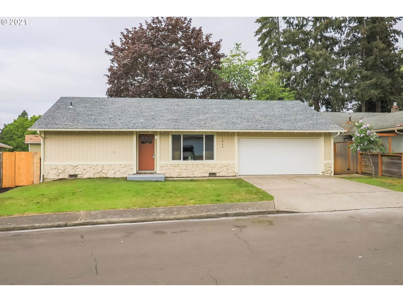 6045 172ND Ave - Photo 1