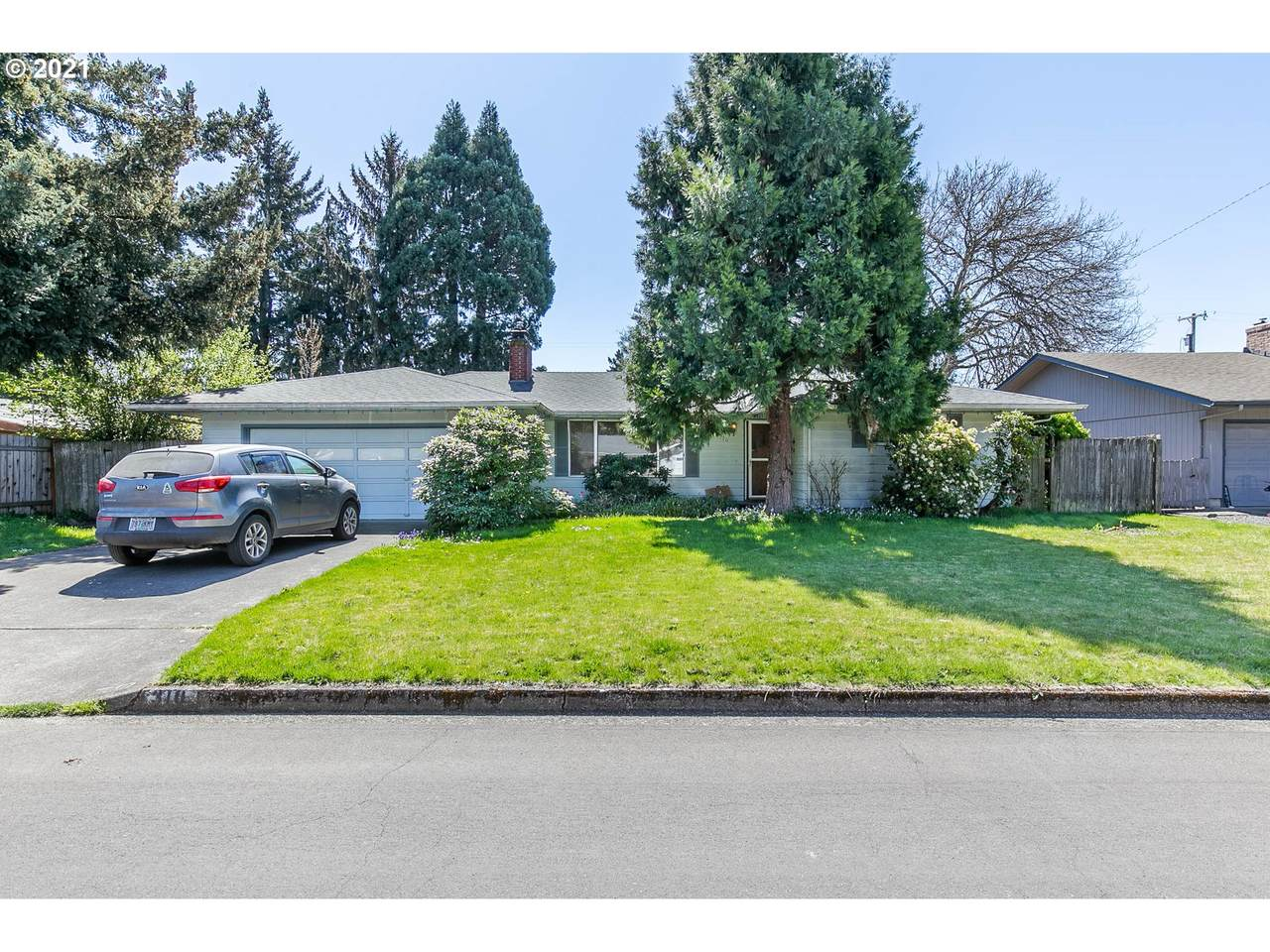 310 Jonquil Ave - Photo 1