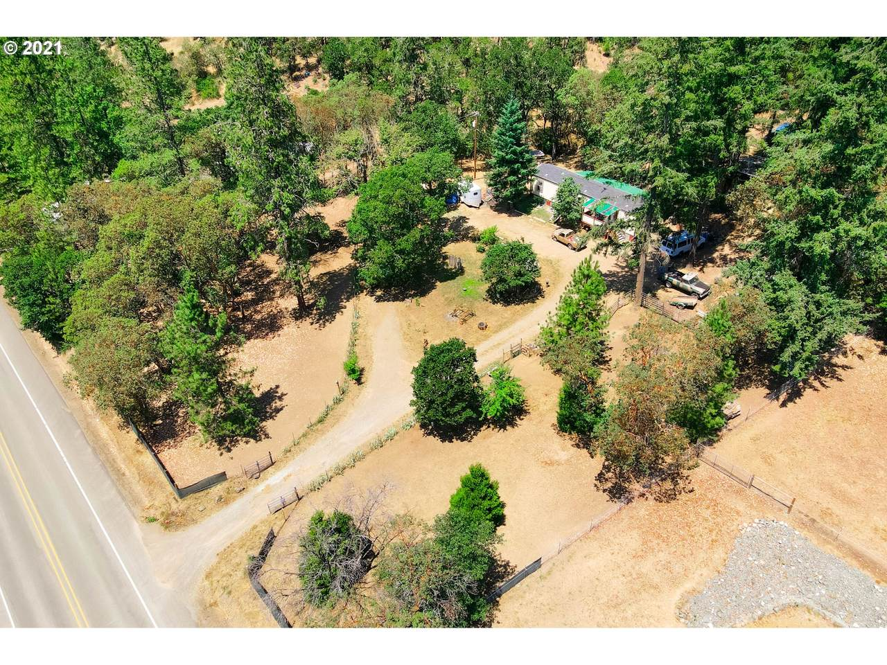 2959 Canyonville-Riddle Rd - Photo 1