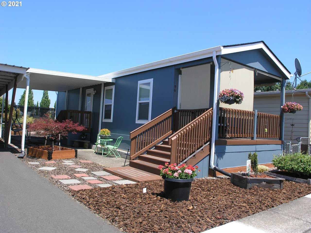 300 7TH Ave - Photo 1