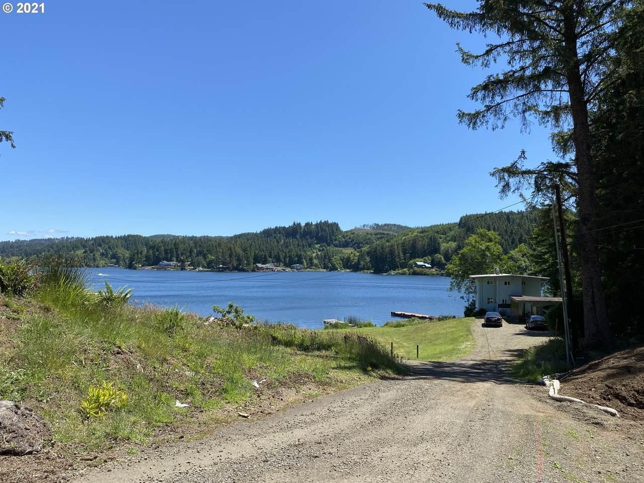 1500 Lake Cove Dr - Photo 1