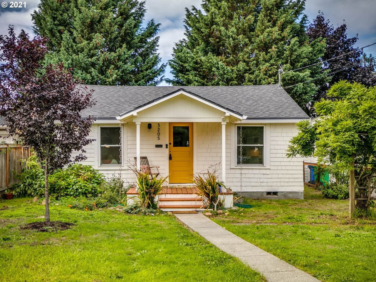 3205 74TH Ave - Photo 1