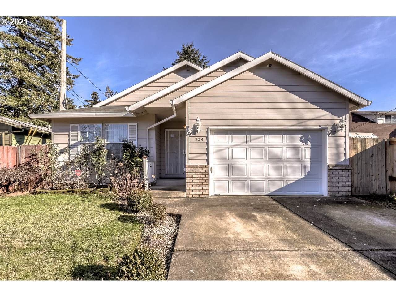 324 139TH Ave - Photo 1