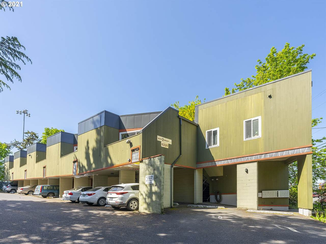 6220 Capitol Hwy - Photo 1