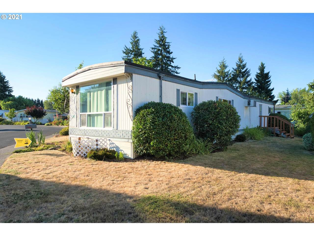 570 10TH Ave - Photo 1