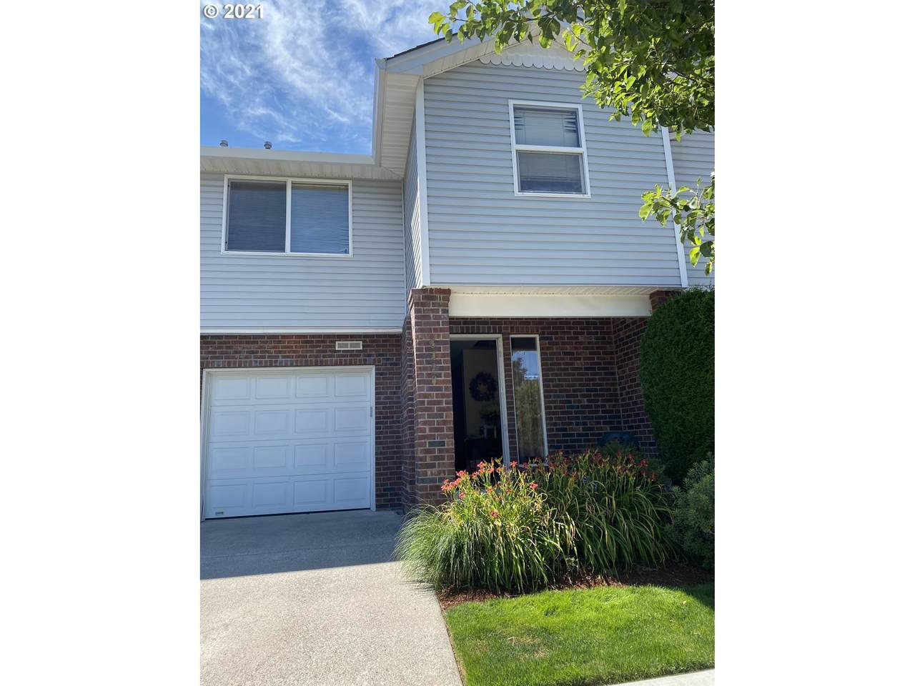 5420 89TH Ave - Photo 1