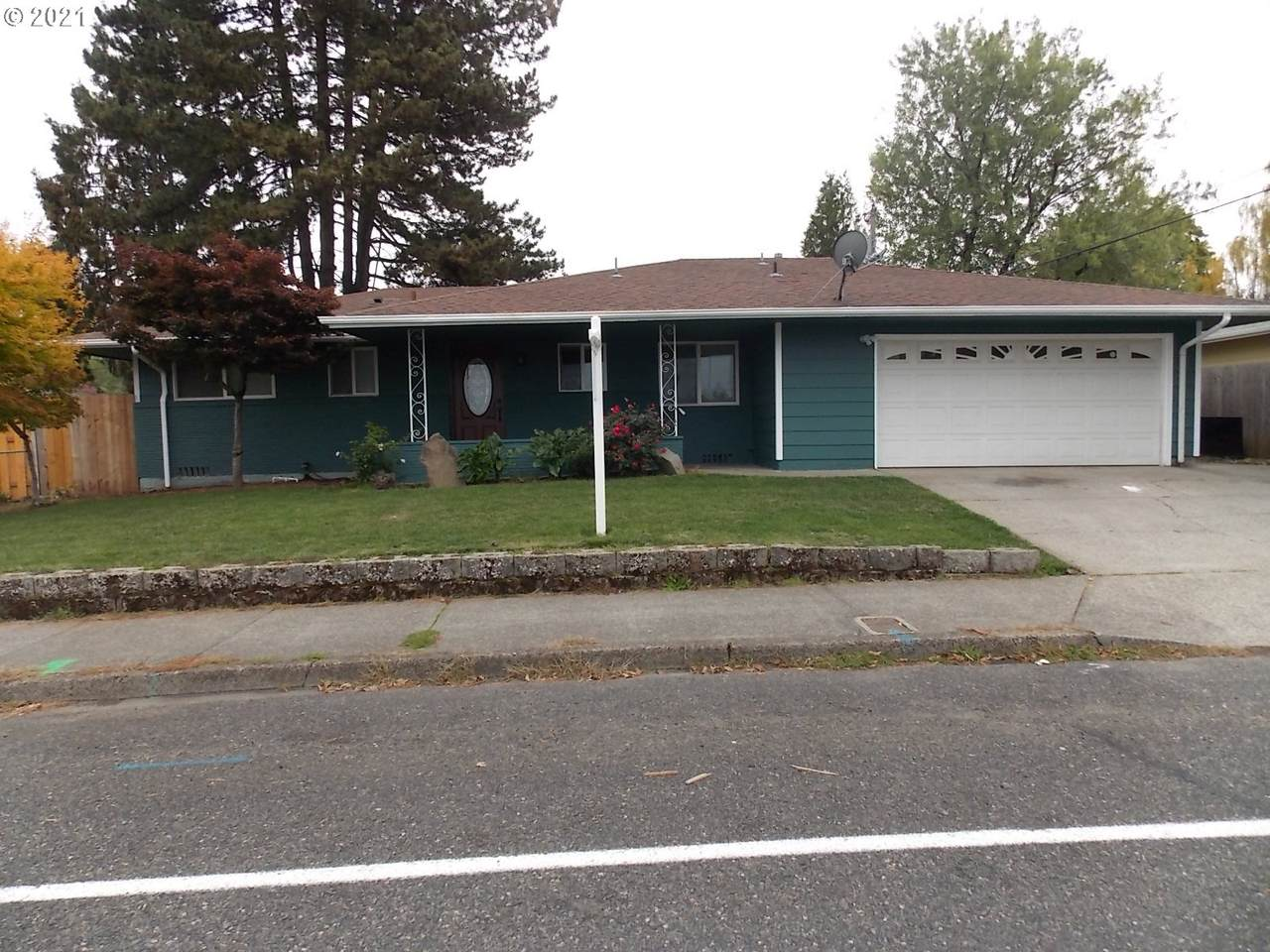 944 217TH Ave - Photo 1